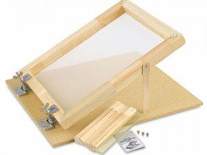 Nên chọn khung nhôm hay khung gỗ trong in lụa